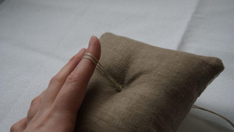 Linen pincushion 004